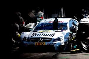 PETRONAS un SYNTIUM auto sporta komanda